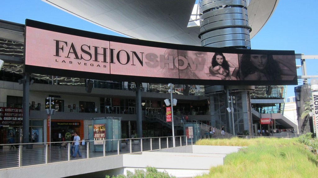 Fashion Show Mall Sign