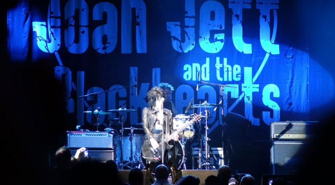 Joan Jett Rocks The Eastside Cannery